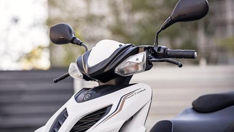 2016-Yamaha-Aerox-R-EU.jpg