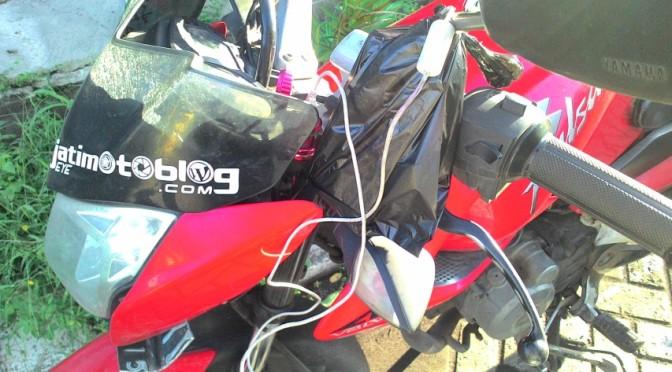 "Appararel Unik : ""handphone charge bag"" for motorsport"