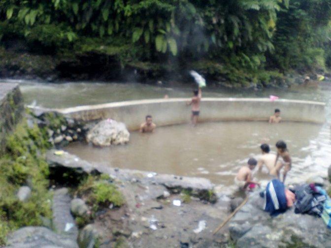 Pemandian Air Panas Bendungan Tandu