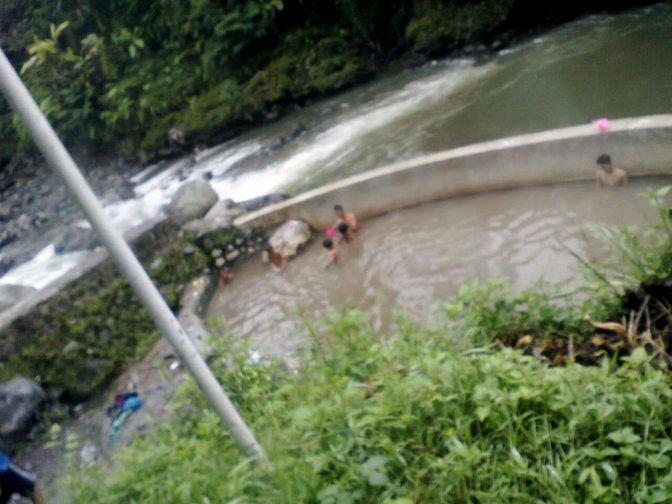 mbolang : hot water di kali Serayu
